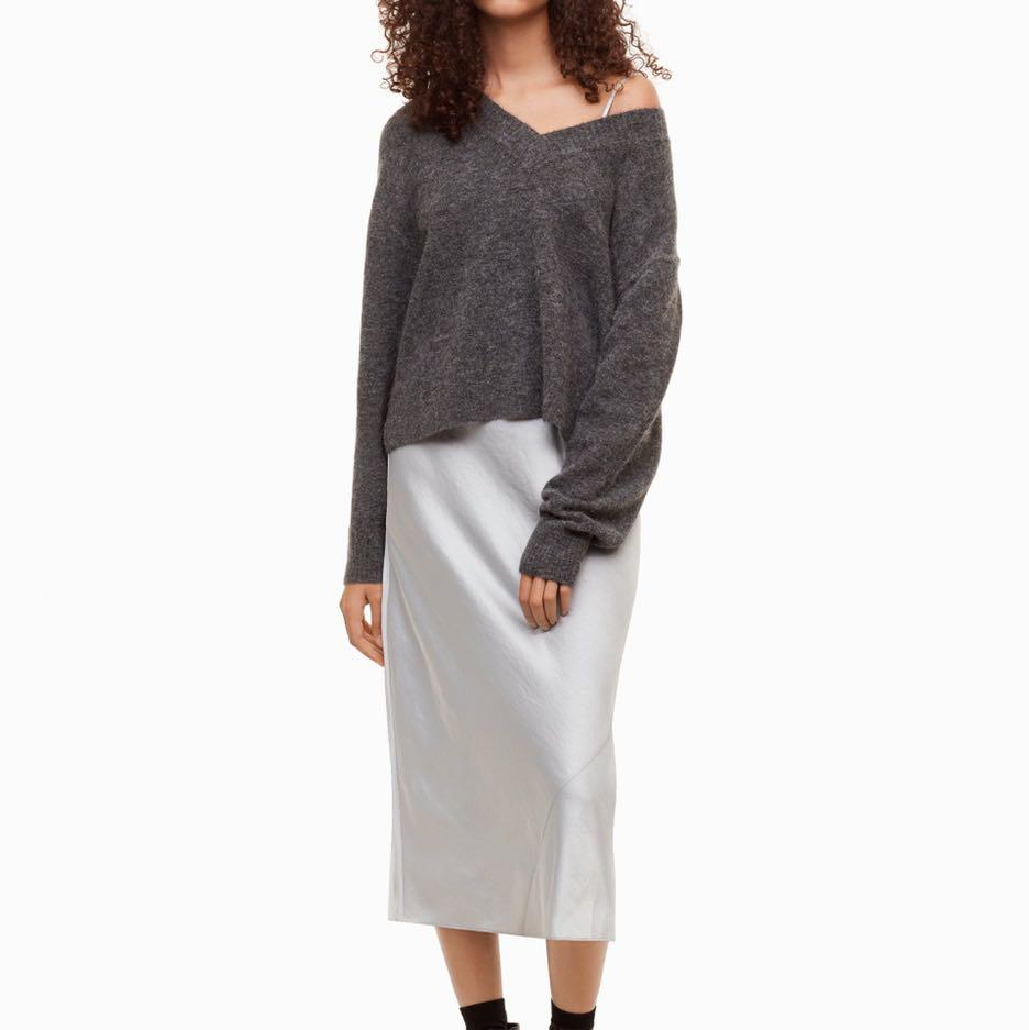 Aritzia Wilfred free alpaca sweater in charcoal / dark grey