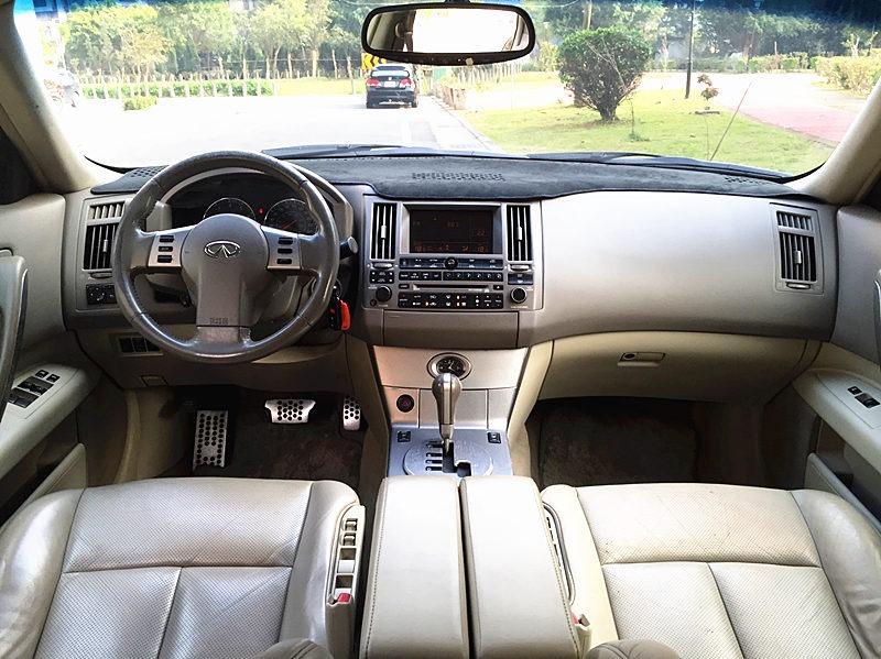 FB搜尋:唐老大.二手車庫 Infiniti FX35 2003款 手自排 3.5L