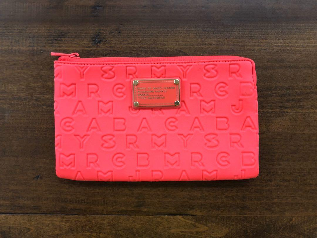 Marc By Marc Jacobs Highlighter Flamingo Neoprene Pouch (100% Genuine)