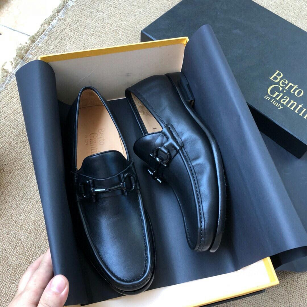 Men s dress shoes Italian super soft leather face fetal bovine inside shoes or leather soles in car line