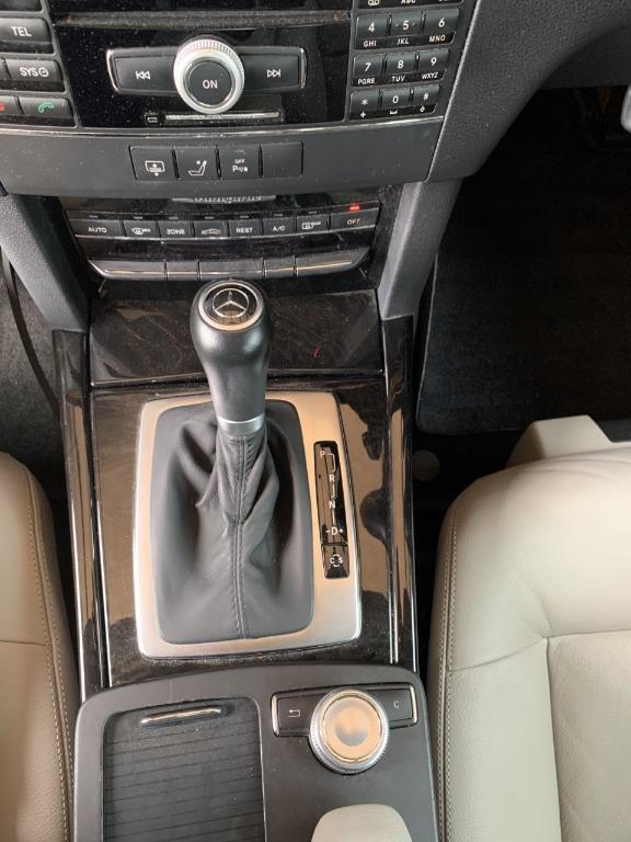 Mercedes Benz E250 CGI Blue Efficiency 1.8 L Turbo Local Model
