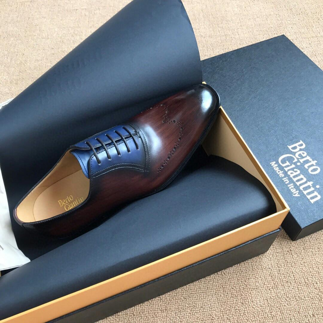Quality goods limited money shop sold in high-end handmade brush color men dress shoes vamp adopts the whole hand brush color old French Dallas proembryo technician toning elegant nobility and deducing the manual brush color peak tire cowhide insi