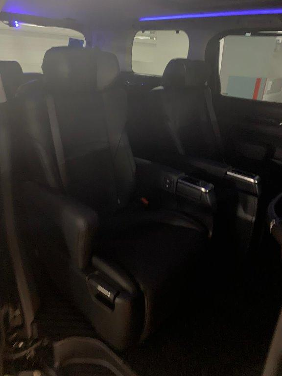 CIRCUIT BREAKER -TOYOTA ALPHARD OR VELLFIRE TO RENT