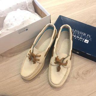 專櫃正品SPERRY 真皮鞋, 原價3690元,7.5號歐洲38號, 便宜出清1000元 全新僅試穿,但買來一直放著,狀況如圖唷!