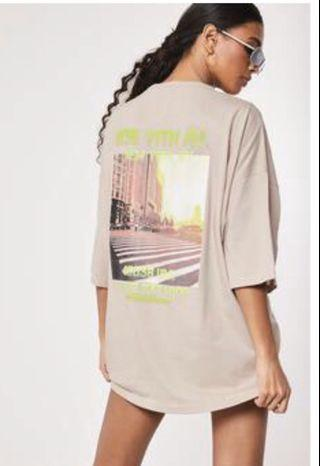 Missguided oversized nude graphic t shirt