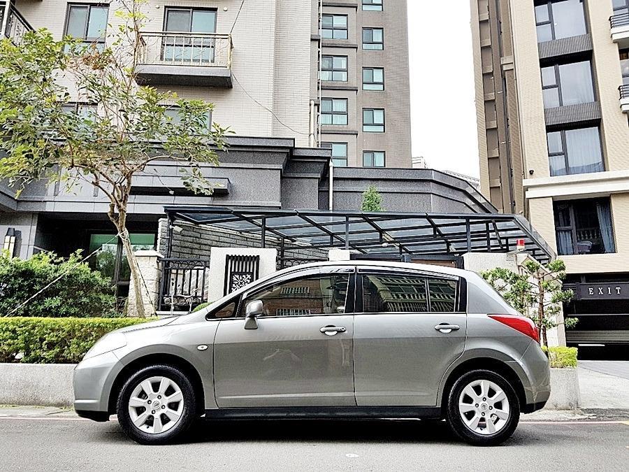2012年 Nissan Tiida 5D 1.8