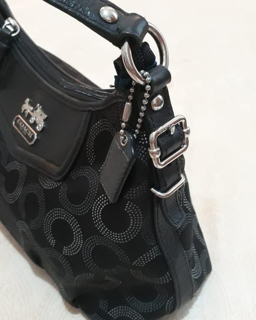 Coach handBag Authentic bahan canvas mix kulit asli size 11 x 6 x 8 cm mulus dan 98% Like New