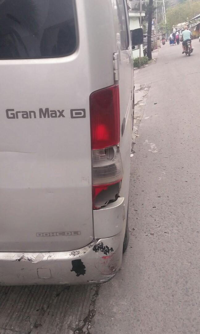Dijual apa adanya grand max type D (1,3 cc) tahun 2012 manual