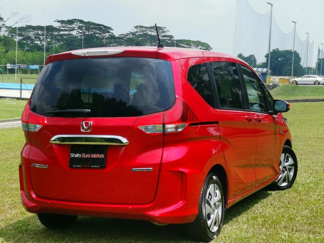 Honda Freed Hybrid 1.5 7-Seater Honda Sensing For Rent