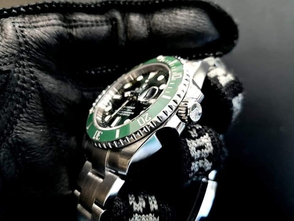 PREOWNED ROLEX SUBMARINER, Green HULK, 116610 LV, Oystersteel, 40mm, Alphanumeric Series, Year 2013 Mens Watch