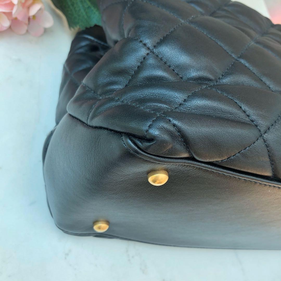 🖤Superb Deal!🖤 Chanel Seasonal Tote in Black Distressed Leather and Black Crinkled Glazed Calfskin