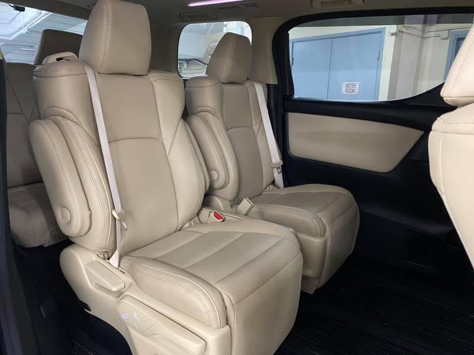 Toyota Alphard 2.5  Auto