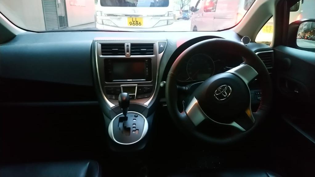 Toyota Ractics VERSO Auto