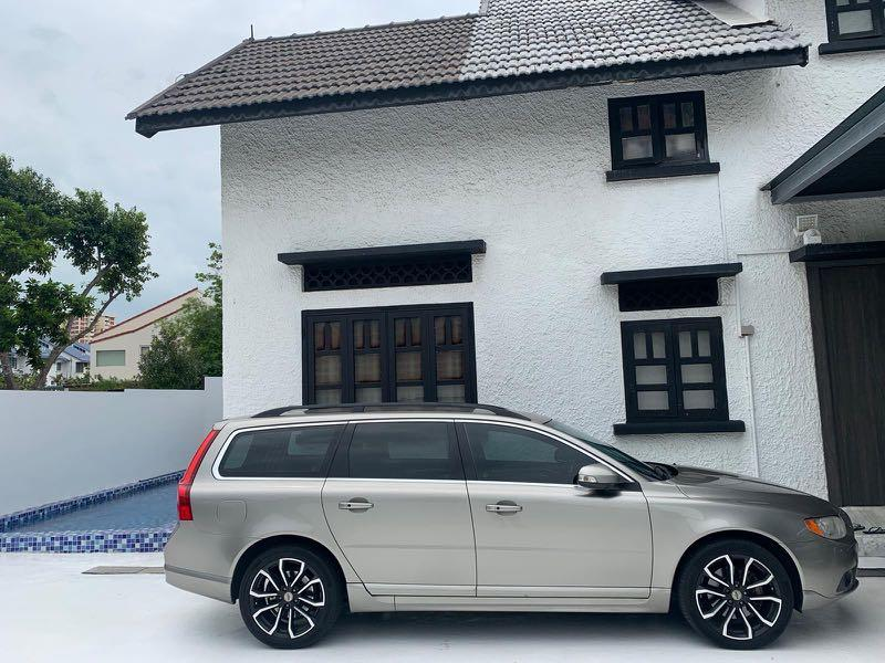 Volvo V70 Cheap rent! Beautiful Condition. Very nice car plate!