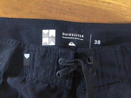 Quiksilver short. Original.