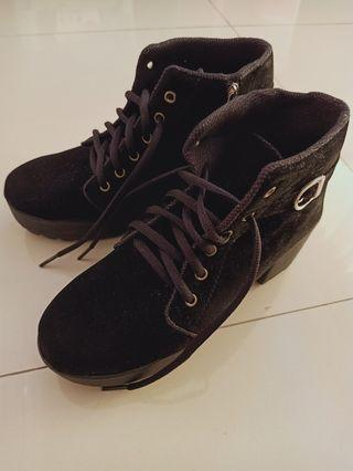 Black Boots Hitam Stylish Fashion Wanita