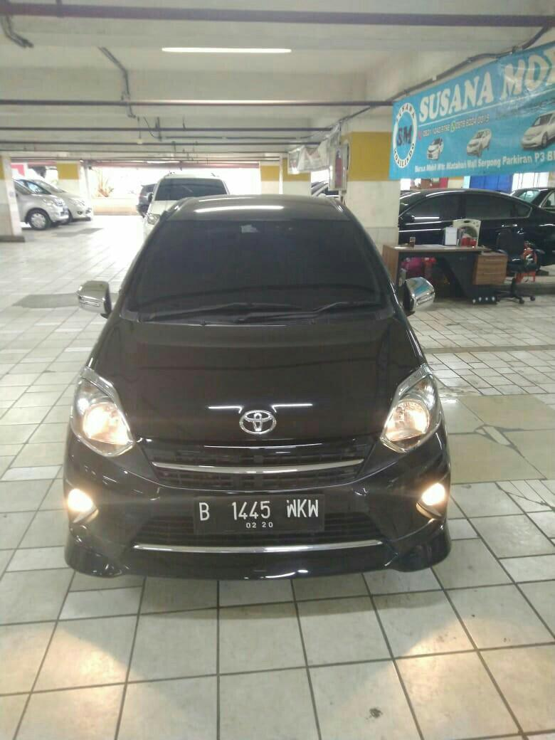 Toyota Agya TRD Sportivo matic Tahun 2015 warna hitam.