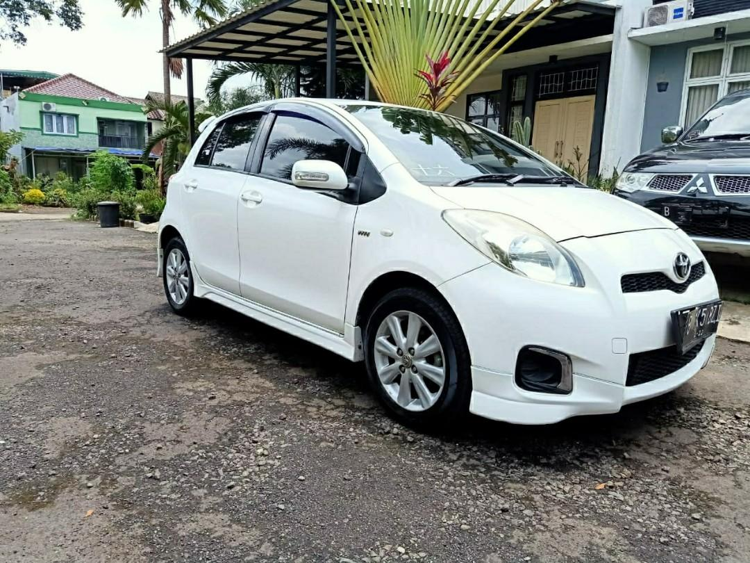 Toyota Yaris E Manual 2012 Facelift Putih Mulus Pajak Hidup Murah BU Siap Pakai