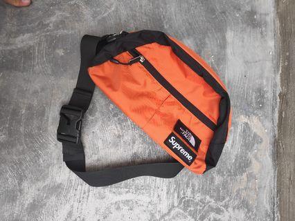 Supreme x The North Face Roo II Lumbar Pack Bag