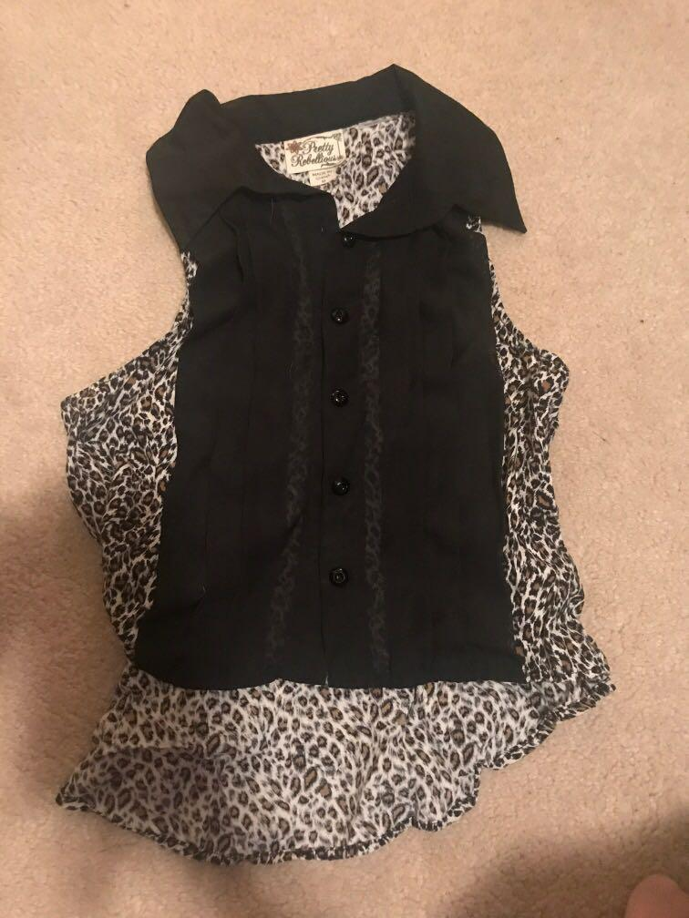 Black and leopard print collared button up sleeveless shirt