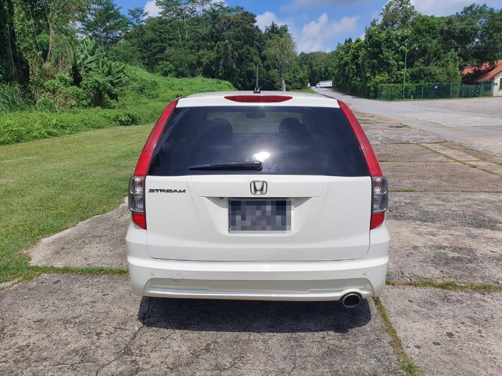 Honda Stream 1.8L - For Grab and Gojek Driving. Extra earnings with 6 seater jobs !