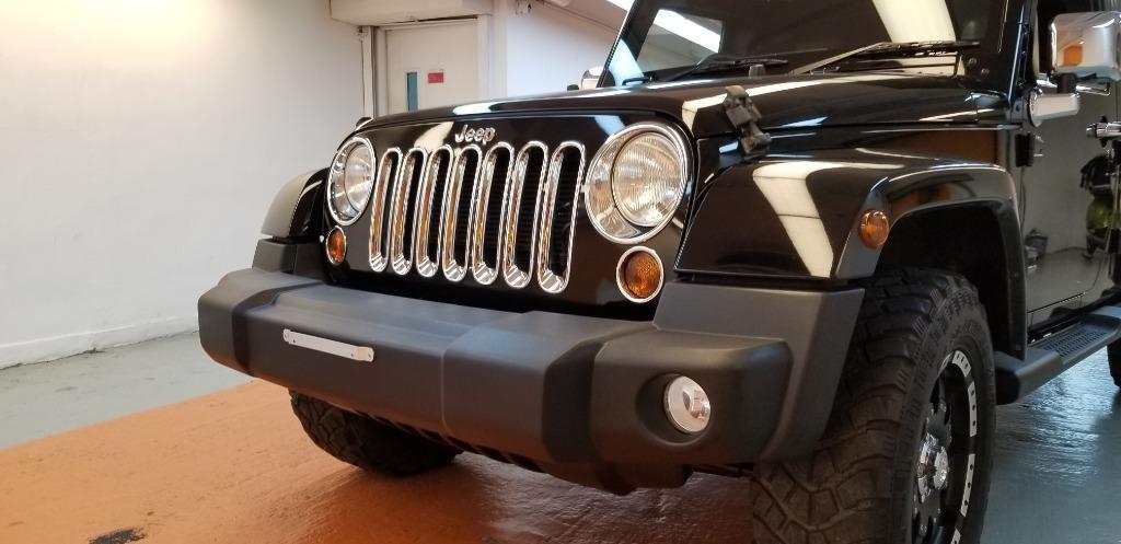 Jeep Wrangler Sahara 4-Dr (A)