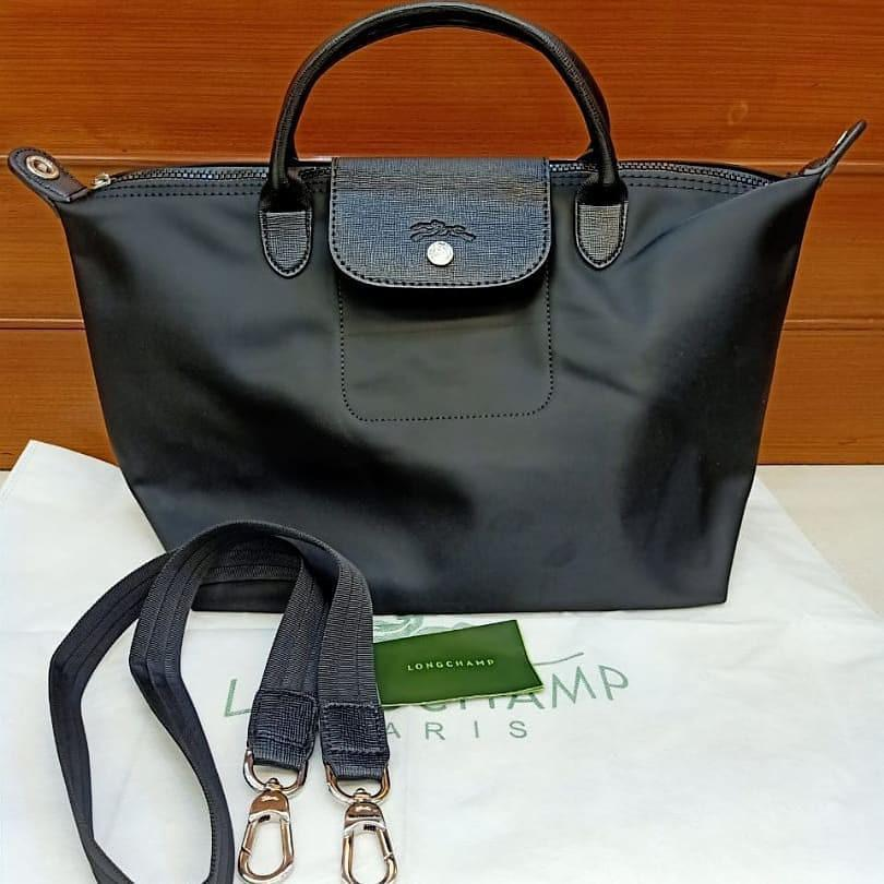 Longchamp nylon mix leather  size Medium ada card, dusbag, tali panjang, no seri mulus dan like new