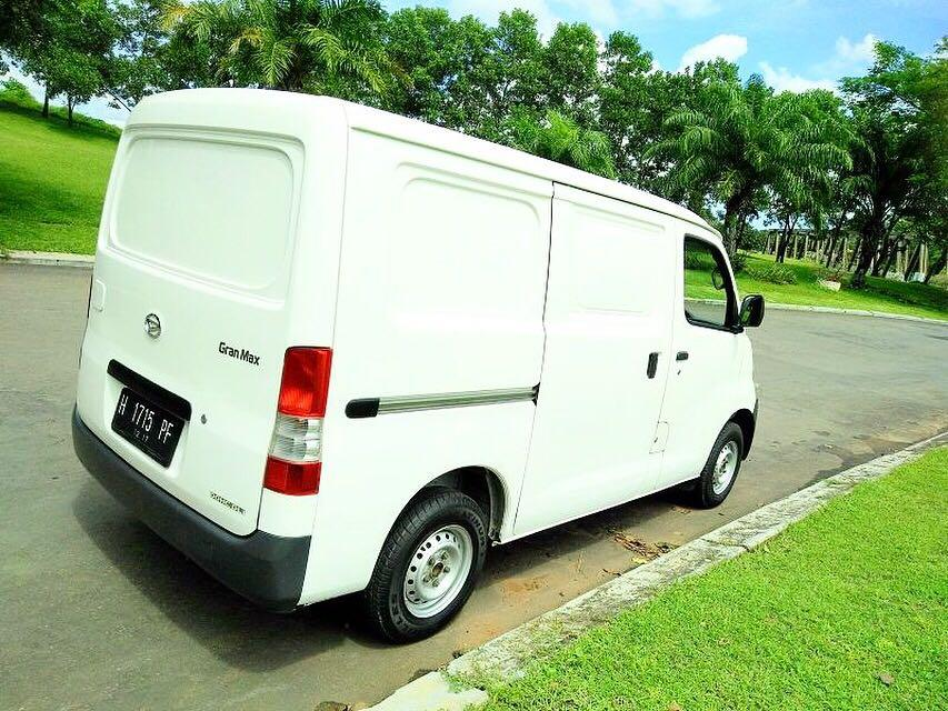 PROMO DP RINGAN Daihatsu Granmax Blind Van mulai 12 jutaan. Daihatsu Pamulang