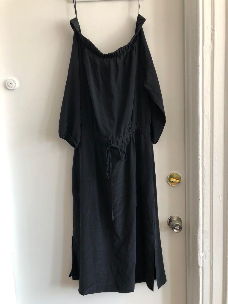 ARITZIA BABATON OFF SHOULDER 100% SILK DRESS SIZE LARGE