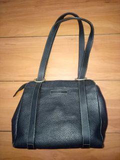 Black shoulder bag #NinjaCarousell