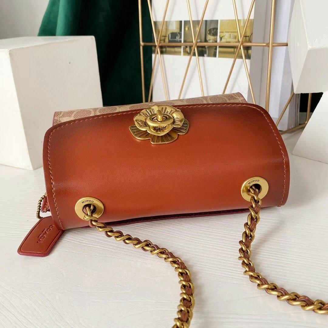 Coach the new small chain bag ga color restoring ancient ways skin flap satchel the fur lining chain shoulder belt can be one shoulder inclined shoulder bag type Button flowers adorn Don t have the flavor model
