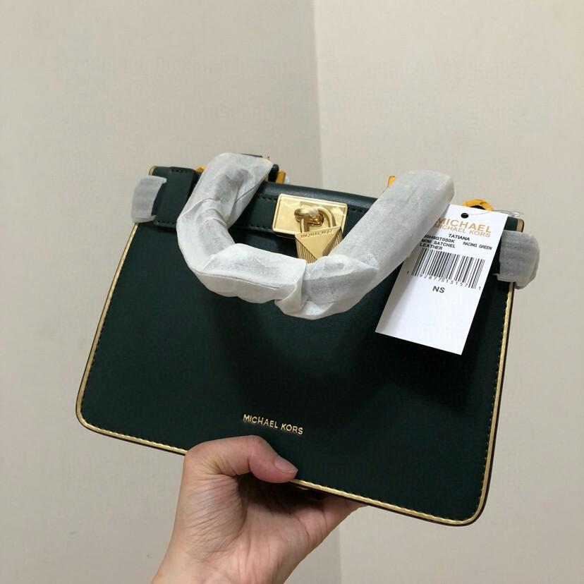 MK Tatiana phnom penh new mini organ package support counters inspection of imported cowhide inside the plush new lock keyless open designing a single shoulder worn down but the large capacity space tags can be right