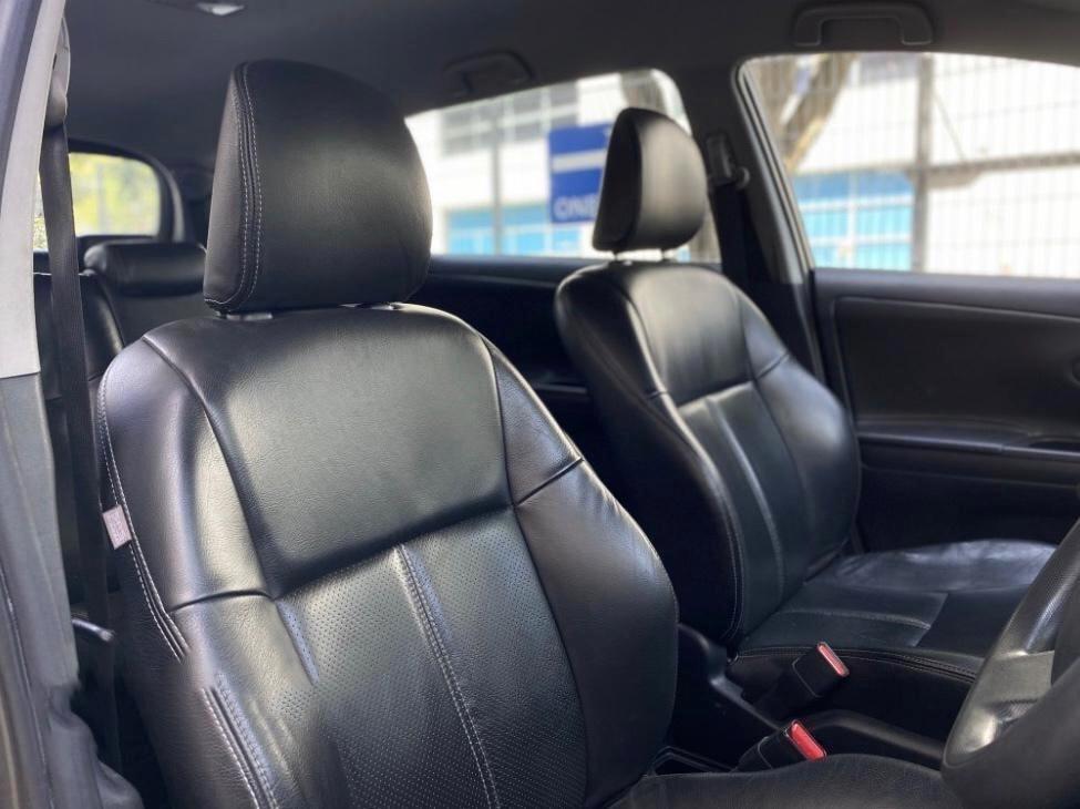Toyota wish*new facelift*ECO save petrol mpv 7 seater gojek incentive rebate grab.personal use stream sienta grandis