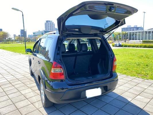 2011 NISSAN 日產 LIVINA 小休旅  換車出售 載貨 代步都很好用