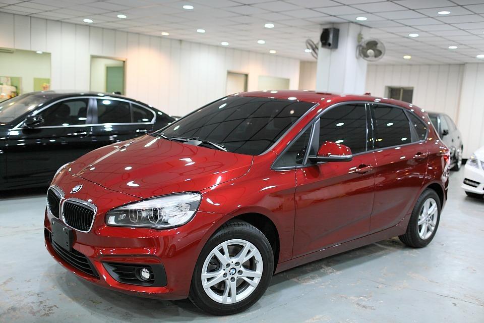 2014年 BMW 218I 老闆娘坐駕~1.5 省油省稅空間大 家庭購車首選!!配合各大銀行貸款~讓您輕鬆購車圓夢回家
