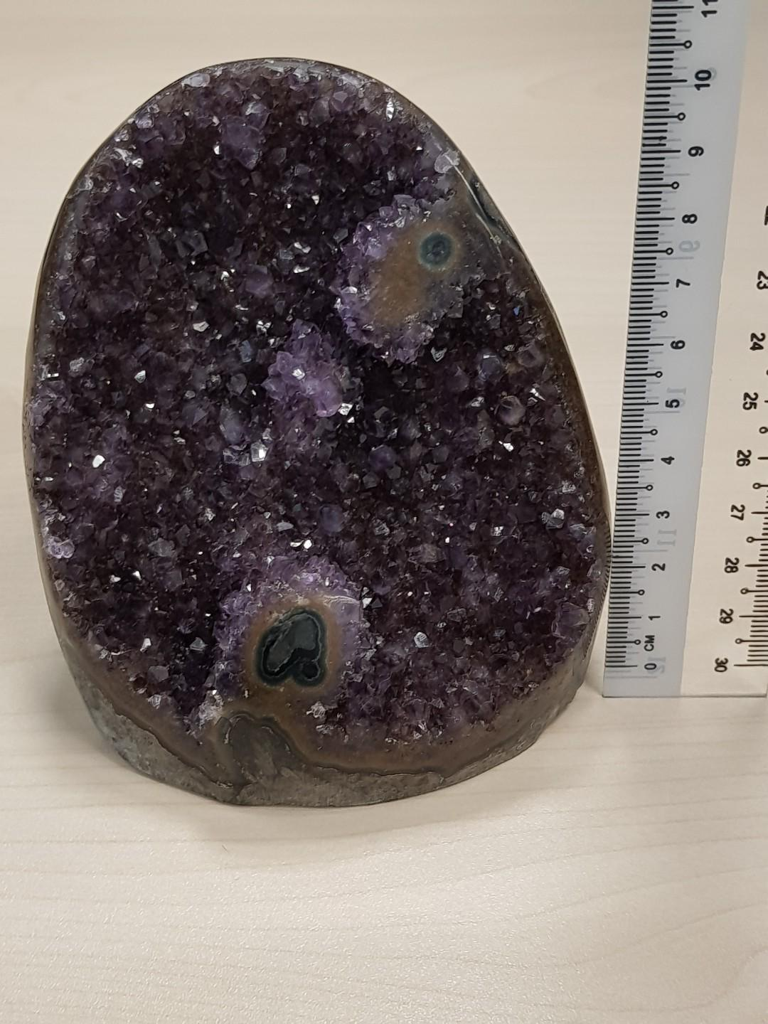 10% off Amethyst Crystal with 2 eyed flower pls refer to link for video **price is before discount