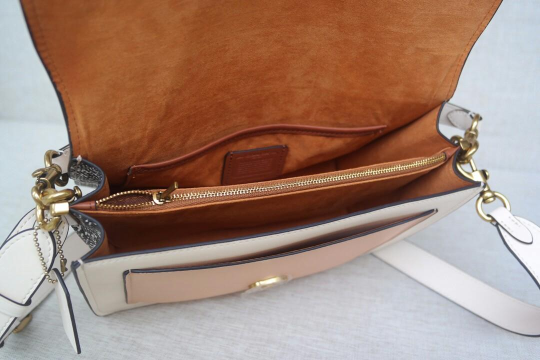 Original apricot COACH COACH new mixed with polished pebbles plain leather shoulder inclined across packages