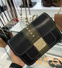 MK classic five-star covering pure original mould opening high quality authentic custom rivets bag than before good good this new rivet with first-class workmanship to see details with golden rivet upper body effect is great