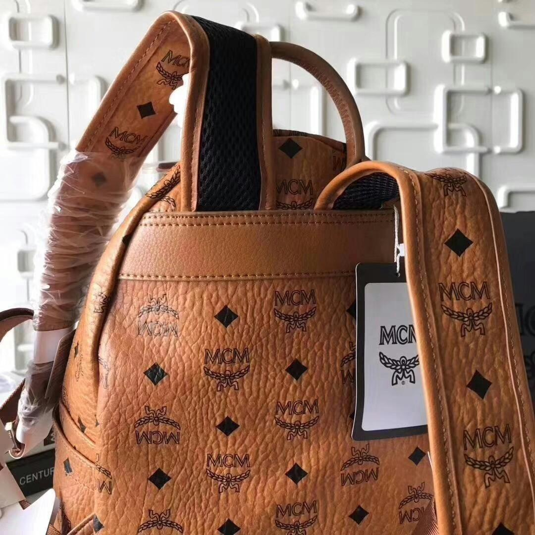 Original single M M new C M mini nail backpack small South Korea orders Qingdao factory Back to South Korea Is the real thing good asked me what I tell you where is the difference between the only difference is price but local tyrants to burn money didn t