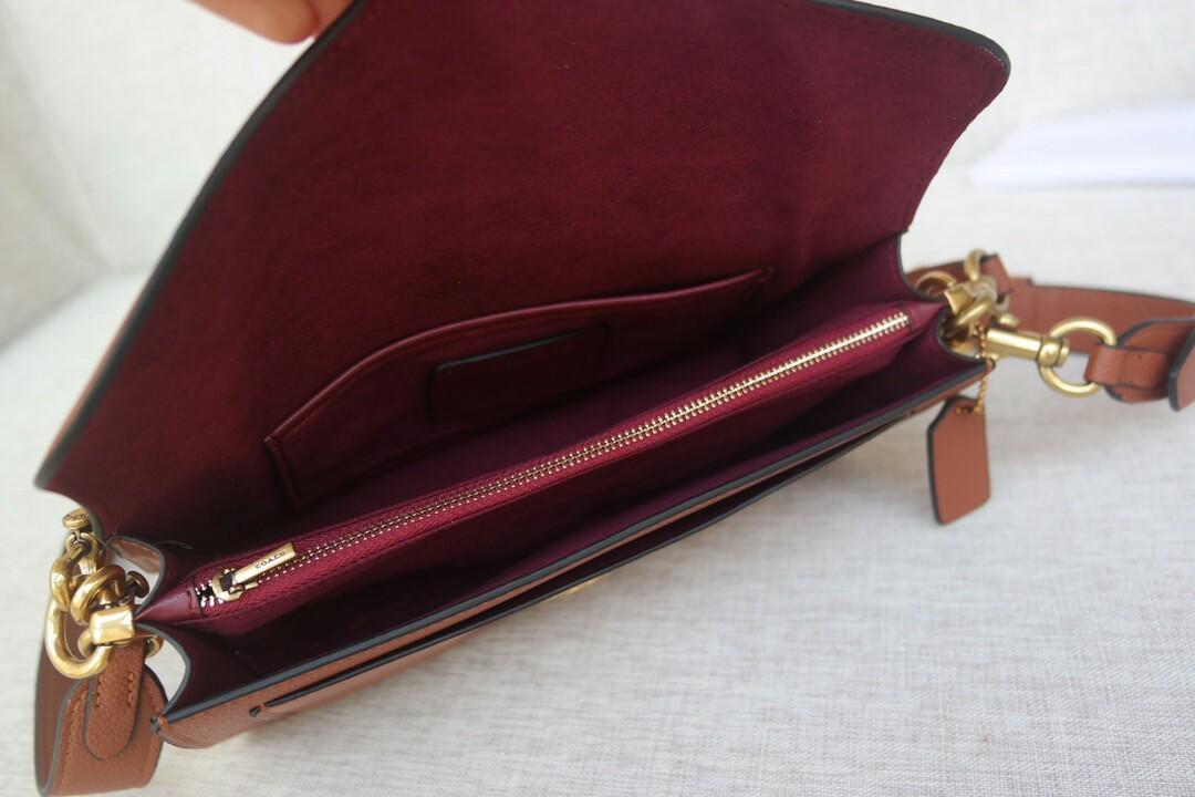 Original The original single Coach Coach handbag new wine package Tabby envelope with the bag in series cm
