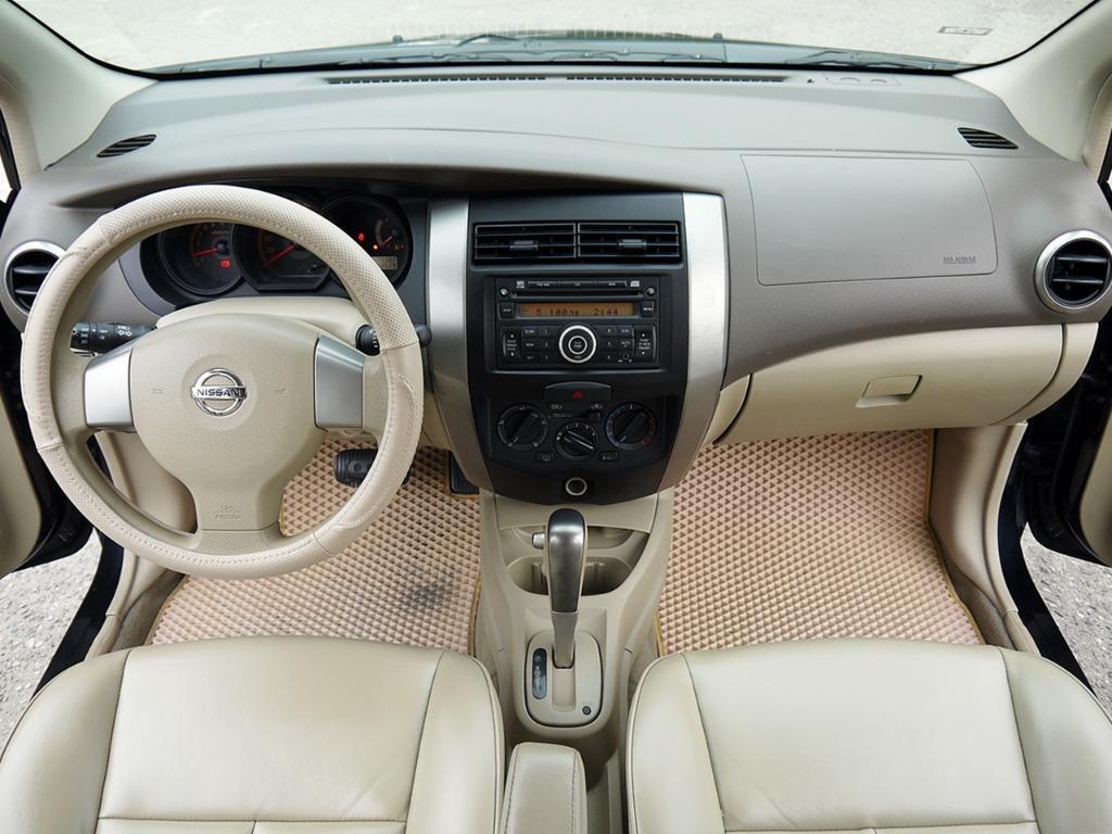 2010年 LIVINA 1.6 只跑10萬公里 全車原鈑件 GOO認證完畢 全額貸款