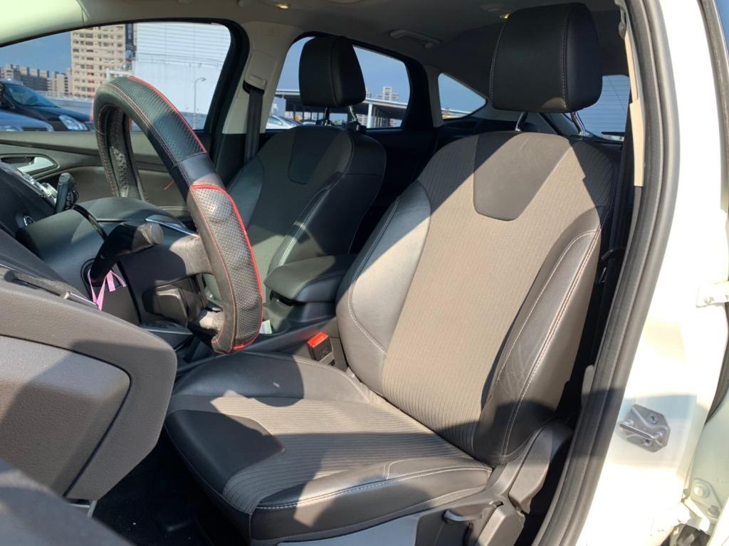 2013 Ford Focus 2.0 柴油 配合全額貸、找 錢超額貸 FB搜尋 : 『阿文の圓夢車坊』