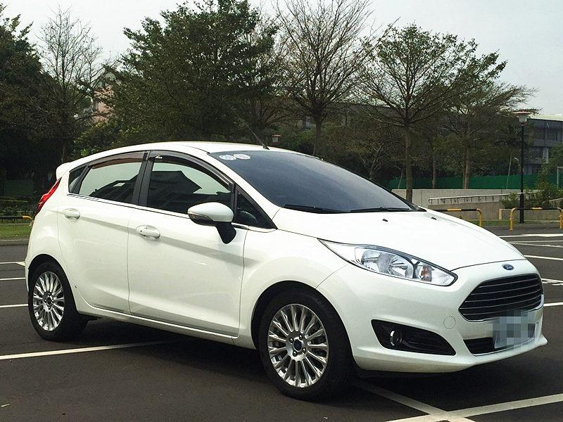 2015 Ford Fiesta 1.0 白 配合全額貸、找 錢超額貸 FB搜尋 : 『阿文の圓夢車坊』