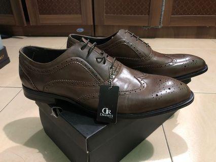 sepatu formal DR Diorucci size 46