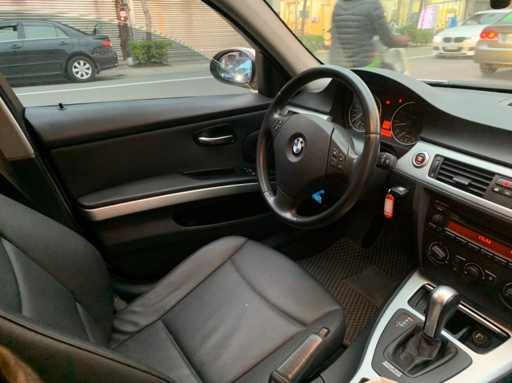 BMW 2005 320 白到店 跑13萬