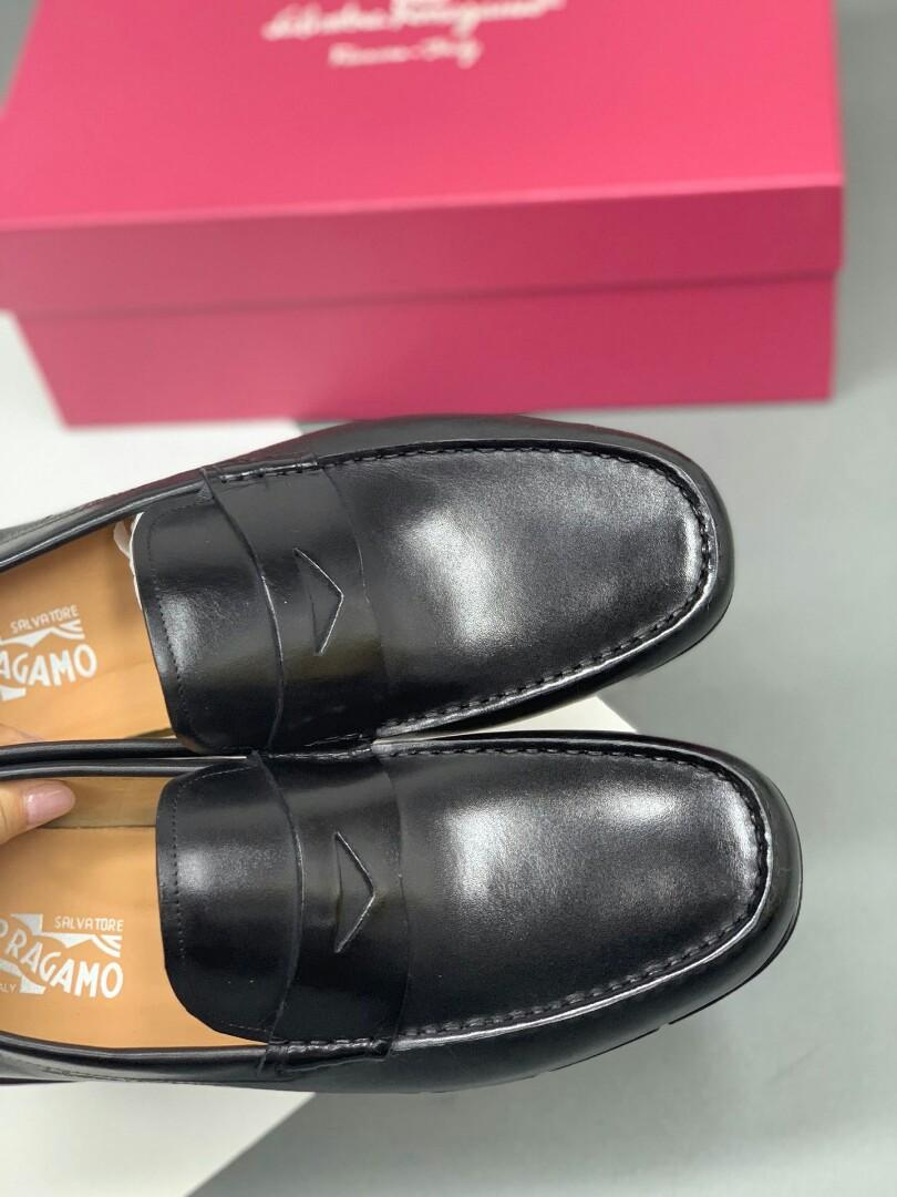 Original Ferragamo black brush color latest update the arrival of the leather surface with special sole leather inside the car line shoe surface laser brand normal code code physical effect is better