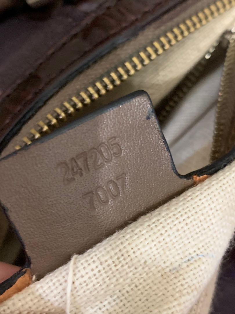 Gucci boston authentic, 32 cm, bagian dalam sedikit kotor noda pemakaian, minus resleting kadang nutup kadang gak, talpan sudah gantian, selebihnya OK masih 85% mantul sist