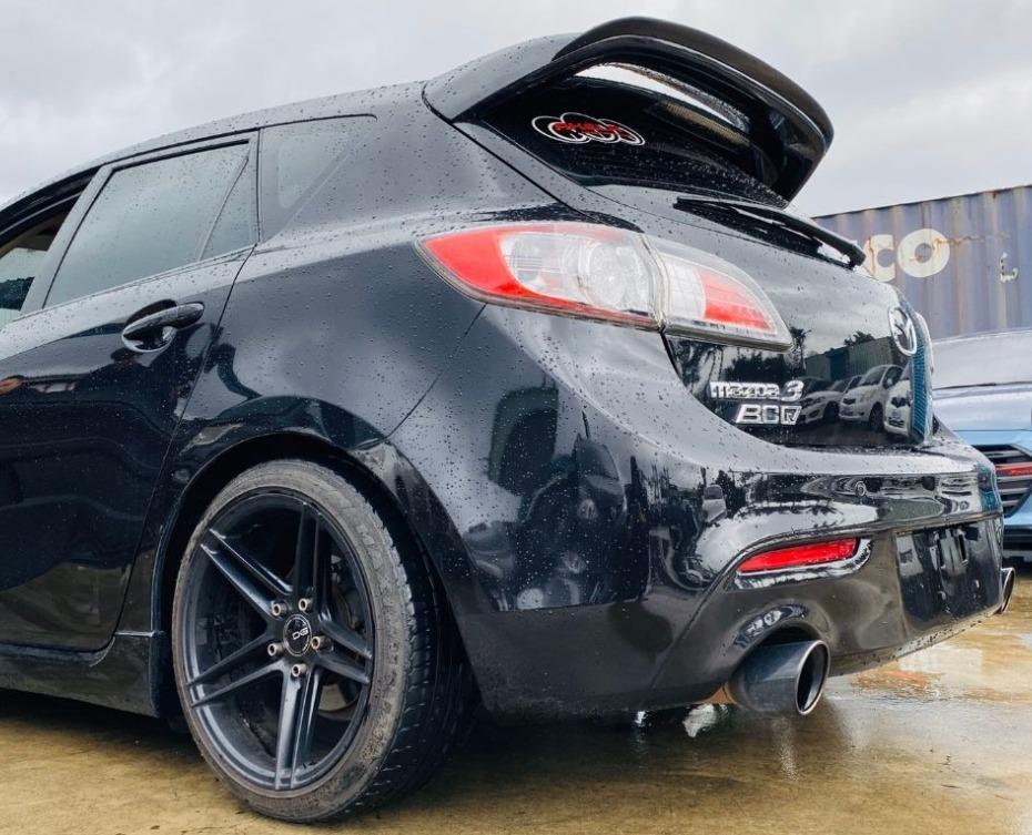 Mazda 2010年5門 馬3(黑)