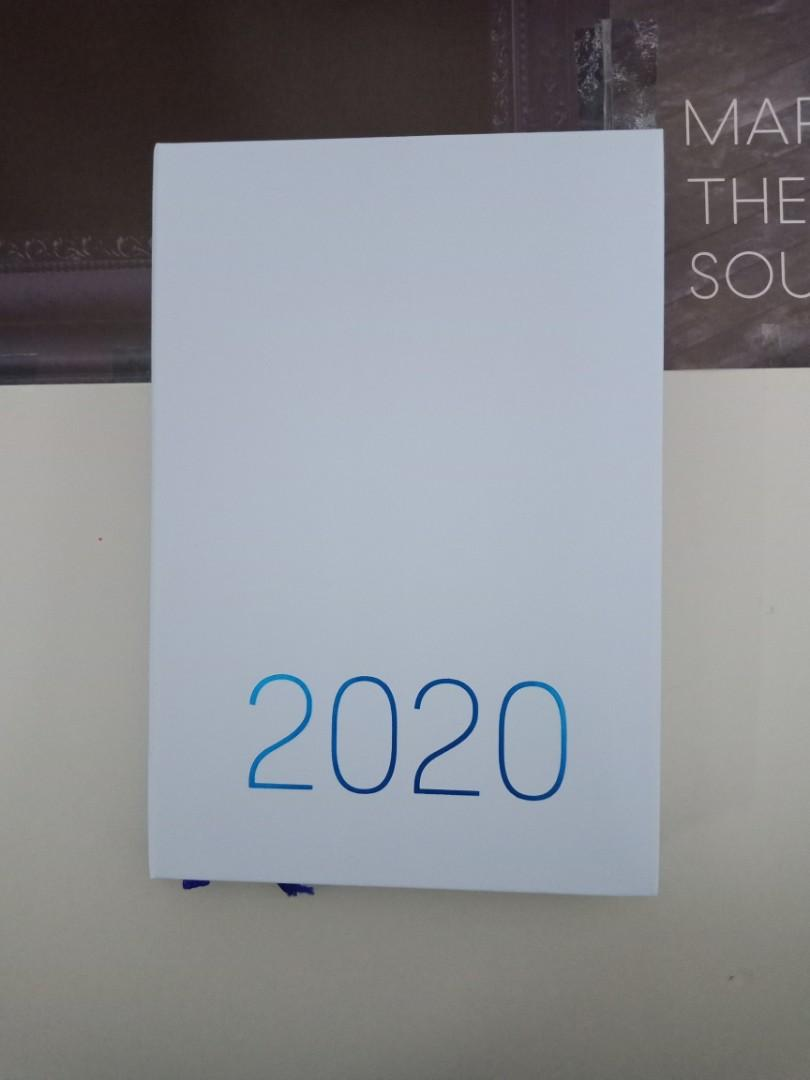 [WTS] Seventeen Season Greeting 2020 Diary and Sticker