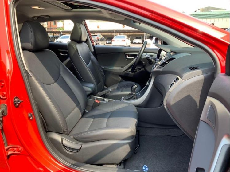 Hyundai 現代 Elantra